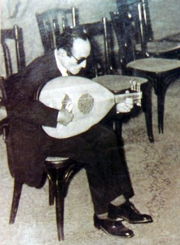 Qassabji Tuning a Ud
